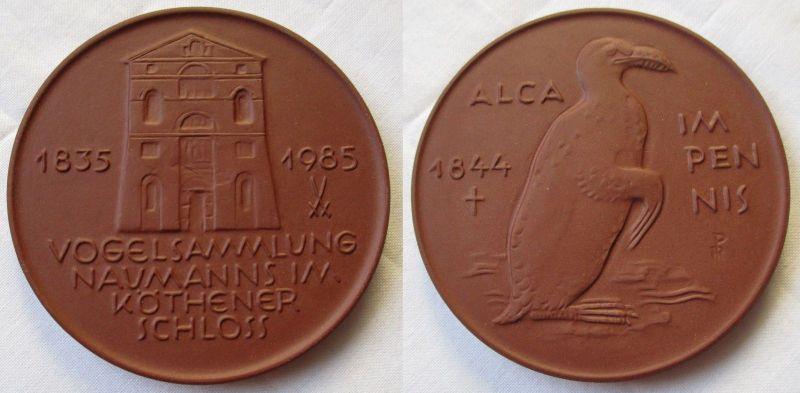 Porzellan Medaille Vogelsammlung Naumanns im Köthener Schloss 1835-1985 (115262)