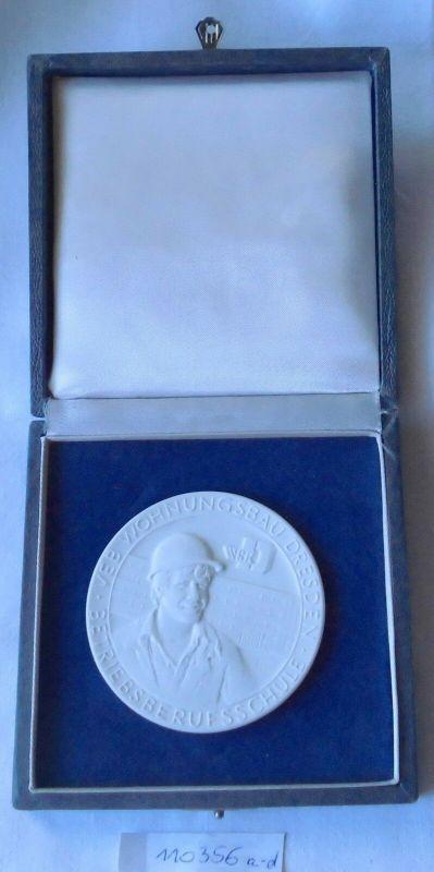 DDR Porzellan Medaille Wohnungsbau Dresden Betriebsberufsscule im Etui (110356)