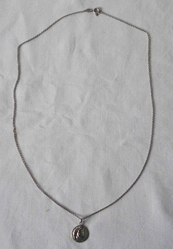Schicke schlichte Kette aus 835er Silber mit süßem Anhänger (119869)