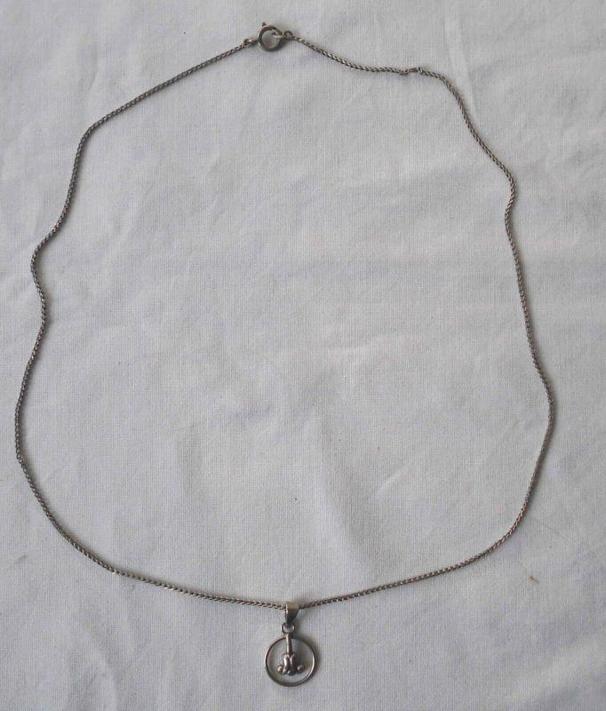 Entzückende Kette aus 835er Silber mit anmutigem Anhänger (115488)
