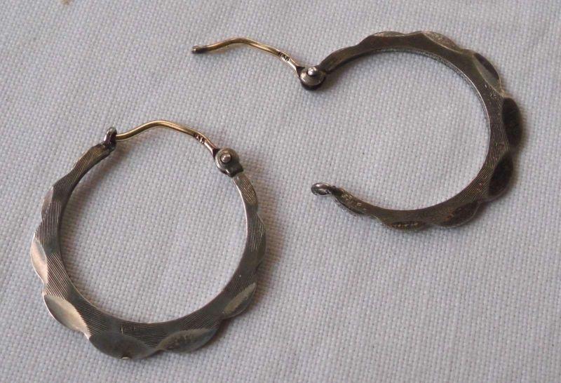 Geschmackvolle Ohrringe Creolen aus 835er Silber (118973)