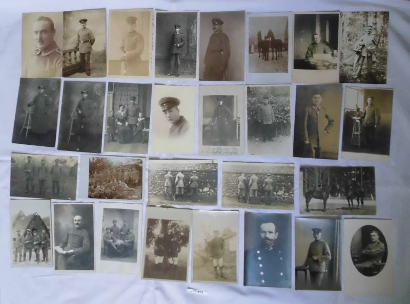 100 meist Foto Ansichtskarten Militär Soldaten 1. Weltkrieg (101673)