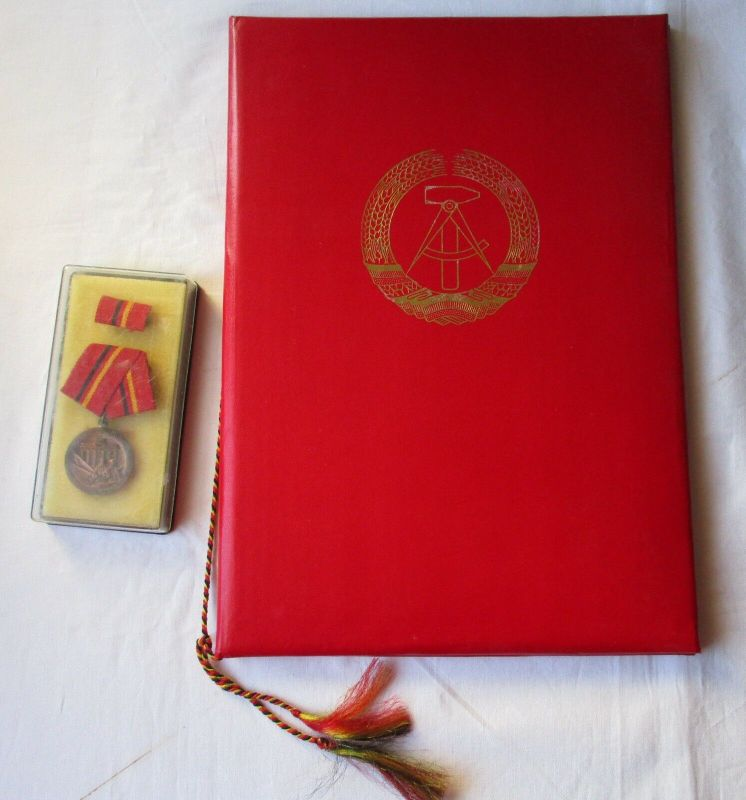 DDR Orden Verdienstmedaille der Kampfgruppen in Bronze + Urkunde (100633)