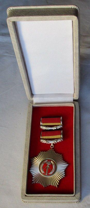 DDR alter Vaterländischer Verdienstorden in Silber im Original Etui (108474)