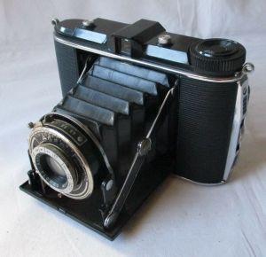 Klappkamera AGFA APOTAR 1:4,5 f= 8,5 cm (130178)