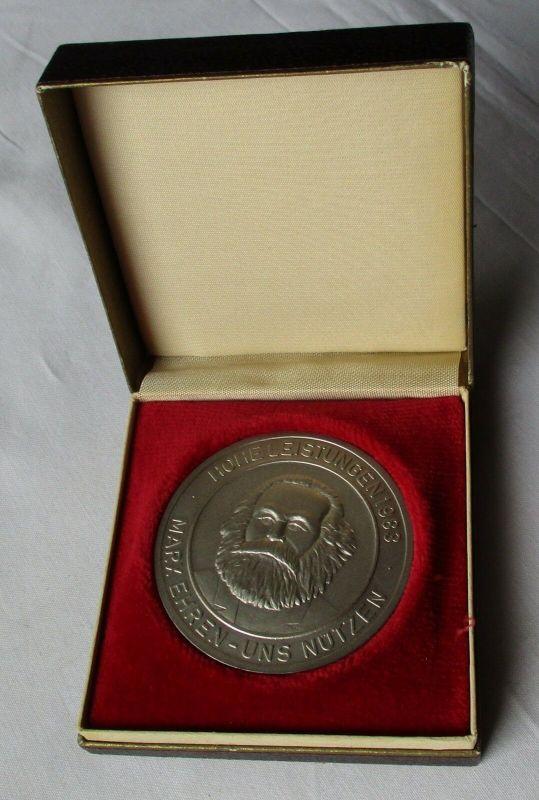 DDR Medaille Für vorbildliche Arbeit im Karl Marx Jahr 1983 Halle SED (130011)