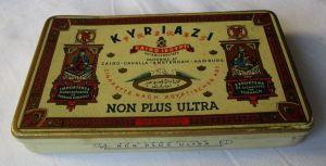 Seltene Reklame Zigarettendose Kyriazi Frères NON PLUS ULTRA Cigarettes (129462)