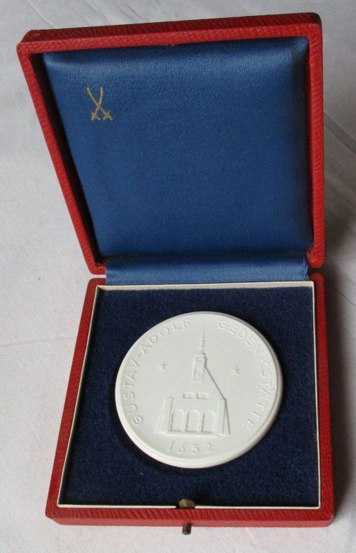 DDR Porzellan Medaille Lützen Gustav-Adolf Gedenkstätte 1632 (130001)