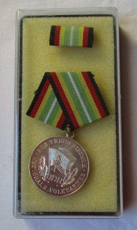 DDR Medaille treue Dienste in der NVA in Silber im Etui (100341)