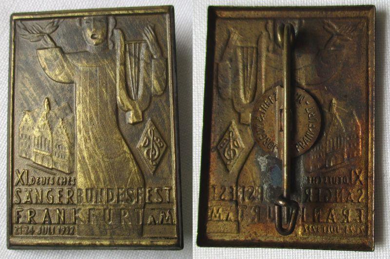 Seltenes Blech Abzeichen XI.Deutsches Sängerbundfest Frankfurt M. 1932 (112081)