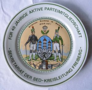 Seltener DDR Porzellan Teller SED Kreisleitung Freiberg 1986 (106989)