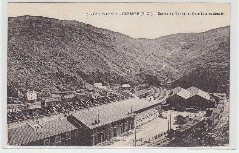 71893 Ak 6. Cote Vermeille Cerbere (P.O.) Entree du Tunnel et Gare Internat.1929