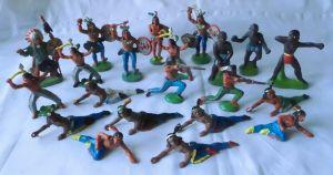 21 DDR Spielzeug Figuren Indianer Afrikaner usw. (109969)