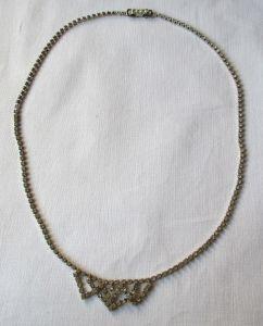 Hübsche Damen Halskette silberfarbener Modeschmuck, viele Ziersteine (125001)