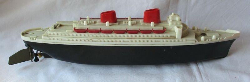 DDR Spielzeug Übersee Schiff Dampfer Zeuke im Original Karton (121769)