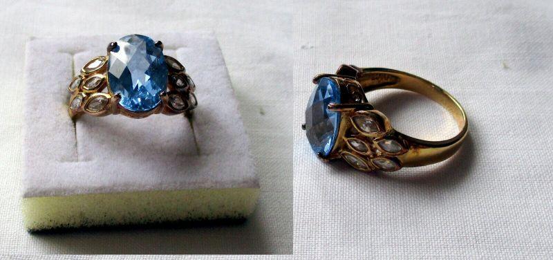 Vergoldeter 925er Sterling Silber Damenring mit großen blauen Stein (133090)