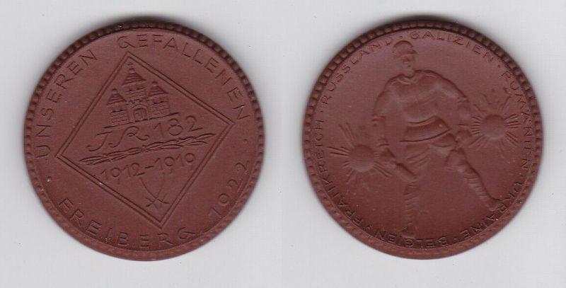 Porzellan Medaille Freiberg 1922 Weltkrieg Ehrenmal 182er IR Meissen (127009)