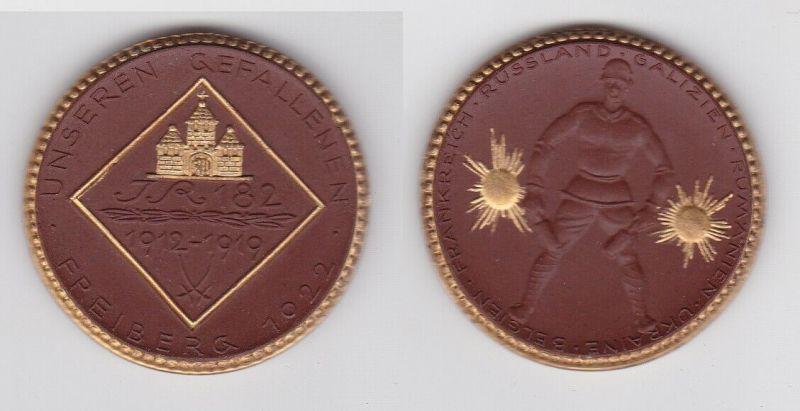 Porzellan Medaille Freiberg 1922 Weltkrieg Ehrenmal 182er IR Meissen (124703)
