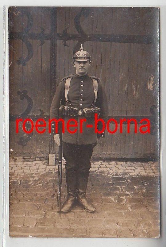 57184 Foto Ak Soldat Preussen mit Pickelhaube 1915