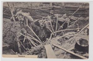 50938 Feldpost Ak Landser beim Gasalarm im Schützengraben 1917