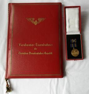 DDR Orden + Urkunde Original Urkundenmappe Verdienter Eisenbahner 1955 (124844)