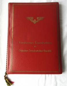 DDR Urkunde in Original Urkundenmappe Verdienter Eisenbahner 1956 (120681)
