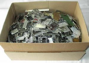 Großes Konvolut aus mehr als 400 Typenschildern VEB KG DDR (112381)
