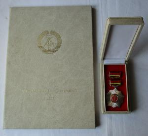 DDR Vaterländischer Verdienstorden Silber + Urkunde Signatur Honecker (101335)