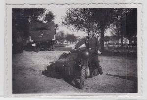 81596 Foto Oldtimer Motorrad BMW Wehrmacht mit Soldat 2. Weltkrieg