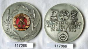 Seltene DDR Medaille Initiativen im Alltag Rosen zum Festtag 1974 (117066)