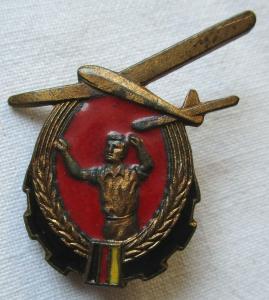 DDR Abzeichen GST Modellflug-Leistungsabzeichen Bronze 1952-1956 (100618)
