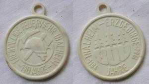 DDR Kunststoff Plakette freiwillige Feuerwehr Thalheim 110 Jahre 1984 (122828)
