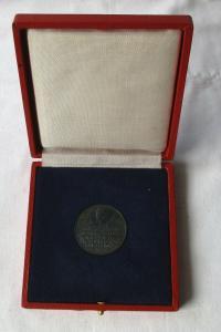 DDR Medaille Wachregiment Berlin Feliks Dzierzynski des MfS (105945)