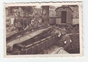 37919 Foto französischer Panzer Tank im Graben liegend im 2.Weltkrieg