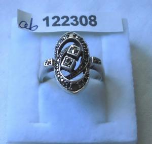 Reizender alter Damen-Ring Silber 835 mit glitzernden Steinchen (122308)