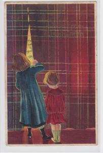 69030 Glückwunsch AK Fröhliche Weihnachten - Mädchen illern durch Vorhang 1916