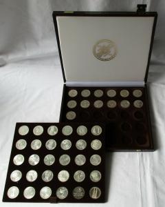 Komplette 5 DM Gedenkmünzen Sammlung mit den ersten 5 Münzen + Koffer (124787)