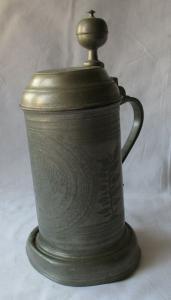 Zinnkrug Brot und Braut zu Ehren will ich dieses Geschenk verehren 1825 (122036)