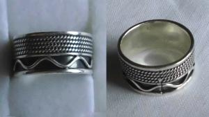 Hübsch verzierter breiter Damenring 925er Silber (119179)