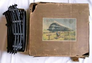 Zeuke Modellbahn Dampflok mit 7 Waggons Spur 0 im Originalkarton um1950 (113345)