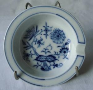 Meissen Porzellan Zwiebelmuster seltener, kleiner Aschenbecher  (116394)