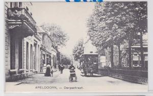84610 AK Apeldoorn - Dorpsstraat mit Straßenbahn Tram und Radfahrer um 1900