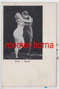 84928 Erotik Ak Enfin Seuls! Nackte Frau küsst Mann im Frack um 1900