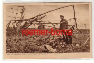 80182 Feldpost Ak Nach siegreichem Luftkampf zerstörtes feindliches Flugzeug