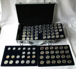 DDR Gedenkmünzensammlung komplett 123 Münzen + Brandenburger Tor 1979-90 /124077