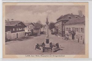 80580 AK Lam - bayrischer Wald, Hauptplatz mit Kriegerdenkmal (Mariensäule) 1921