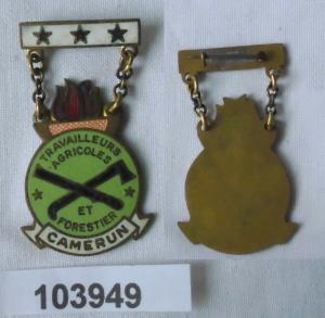 Emailliertes Abzeichen Wald- und Landarbeiter Kamerun Camerun um 1970 (103949)