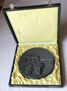 Seltenes Sammlerstück DDR Keramik Medaille Zollverwaltung der DDR (108515)