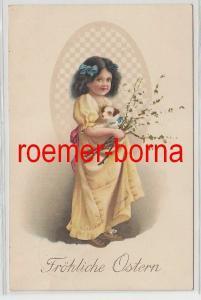 67444 Künstler Ak Fröhliche Ostern: Kind Mädchen mit Hund und Zweigen um 1910