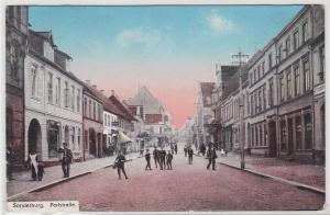 93952 AK Sonderburg - Perlstraße, Straßenansicht mit Geschäften 1919